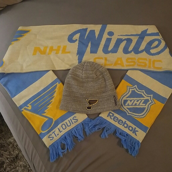 sale retailer b82de 57aac St. Louis Blues Winter Classic Scarf and Hat